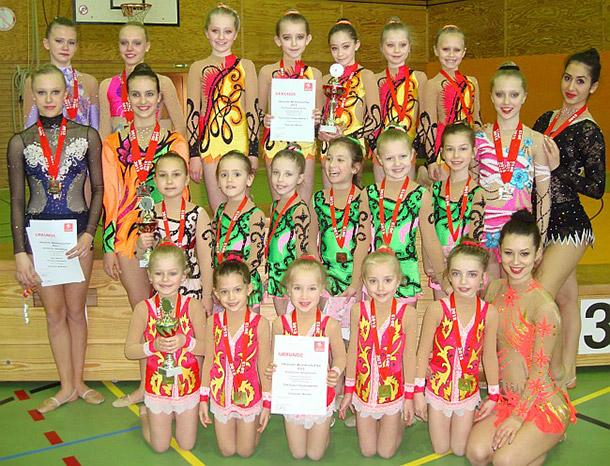 Gruppenfoto der erfolgreichen Gymnastinnen