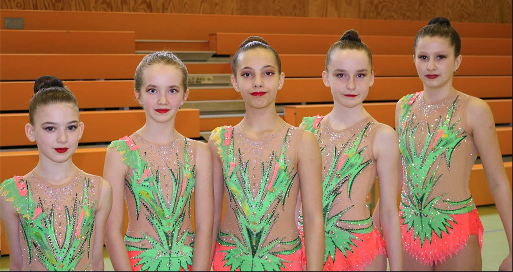 Gruppenfoto der erfolgreichen Gymnastinnen Schüler-Leistungsklasse (SLK) bei den Gaumeisterschaften 2020