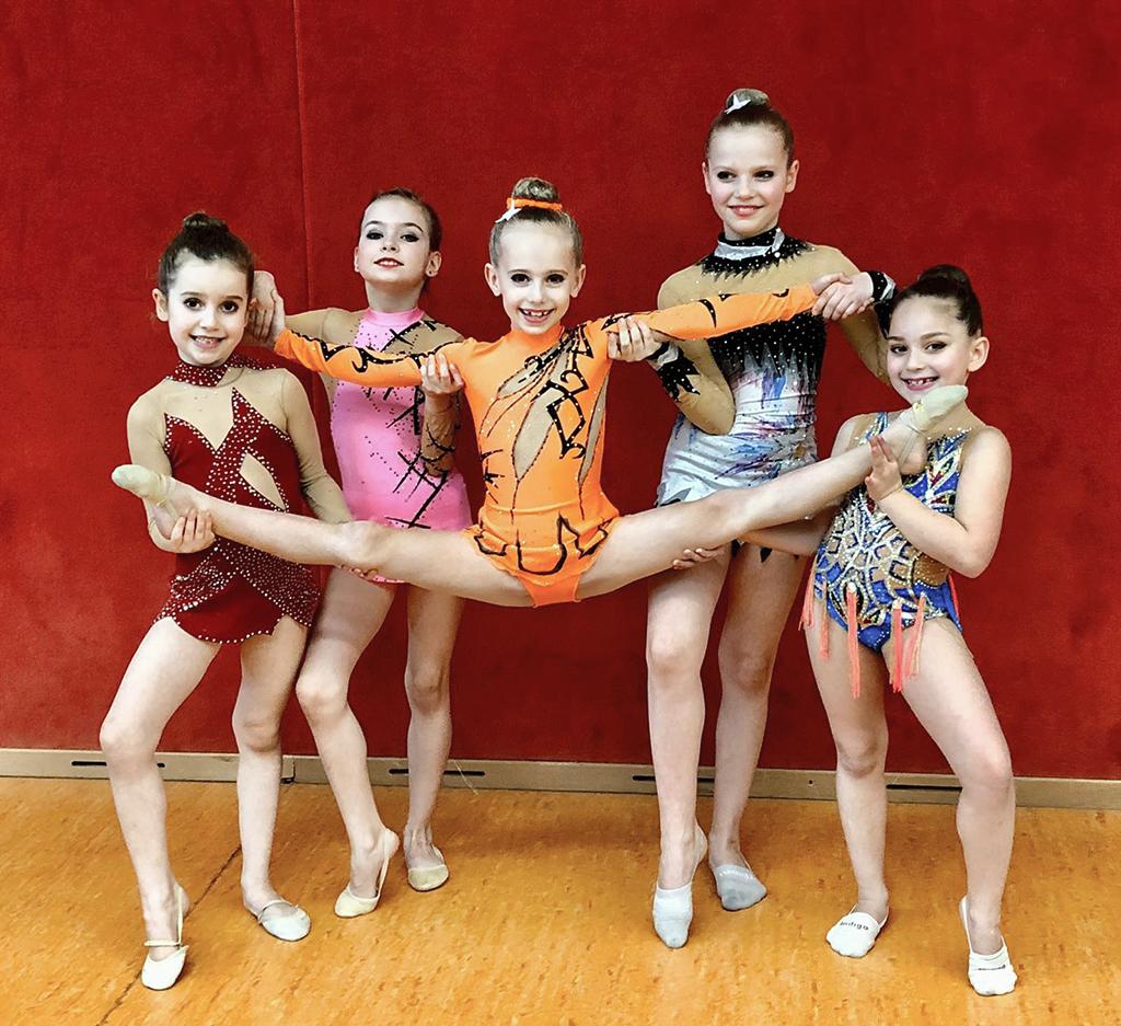 Gruppenfoto der erfolgreichen Gymnastinnen beim Winter-Cup 2020